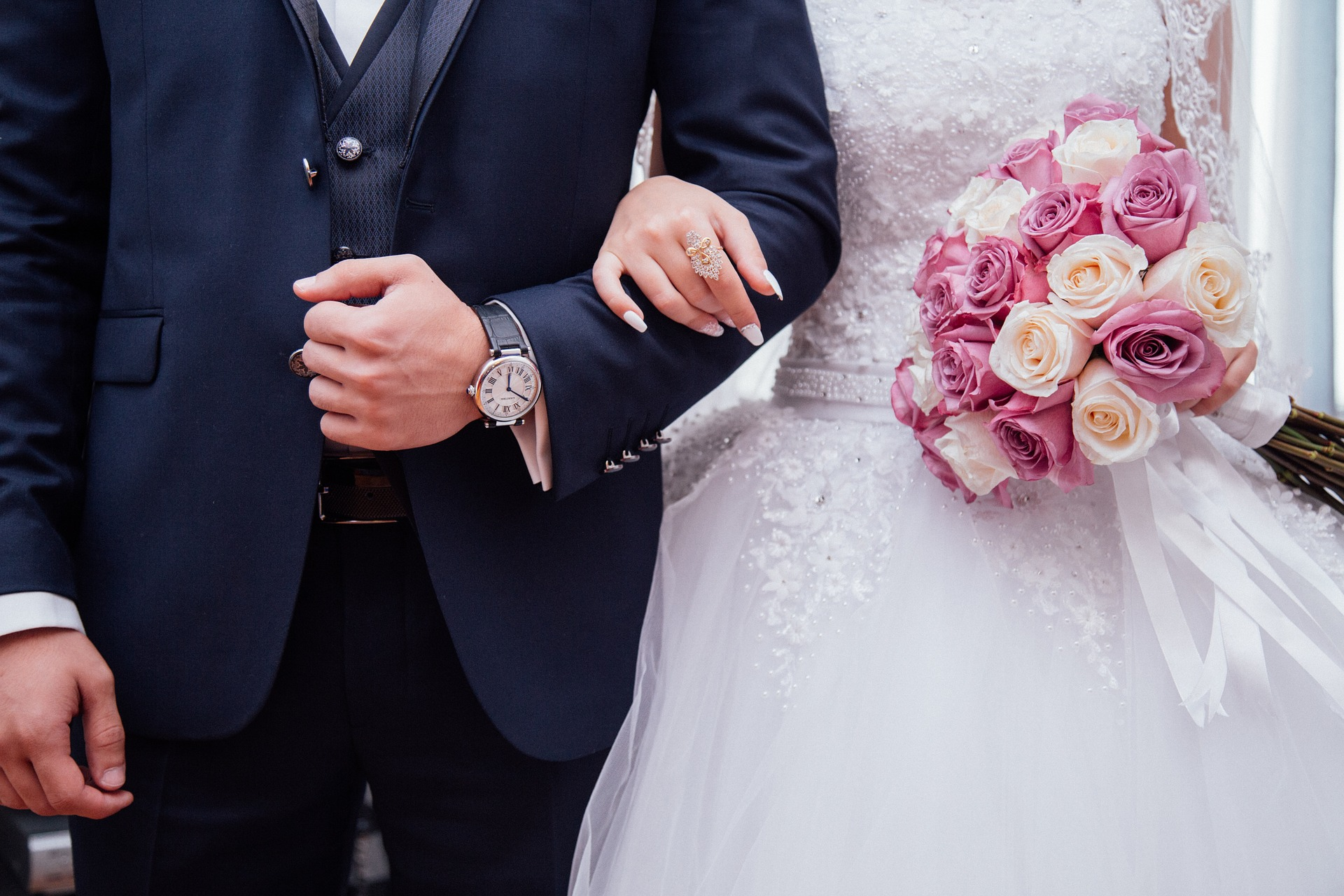 Pár esküvőn